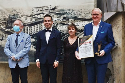 """""""Akademicki Oscar"""" i tytuł """"Uczelnia Liderów 2020""""  dla PWSZ im. Witelona w Legnicy"""