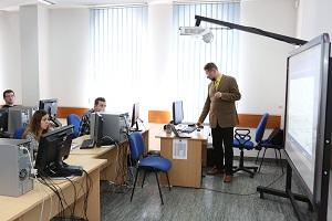 Wyposażenie i oprogramowanie komputerowe w PWSZ im. Witelona w Legnicy