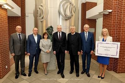 Wicepremier Jarosław Gowin przywiózł milion złotych dla Uczelni