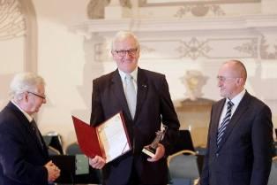Jubileusz Dolnośląskiego Festiwalu Nauki - wyróżnienie dla profesora Jerzego J. Pietkiewicza i Uczelni
